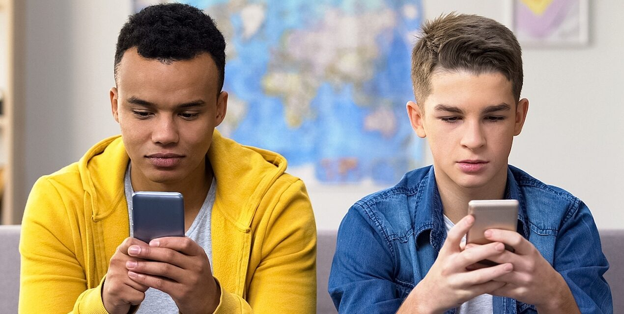 Family Counselling and Supporting Parents in the Digital Age